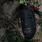 Masker aan de muur