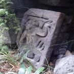 Gebeeldhouwde steen